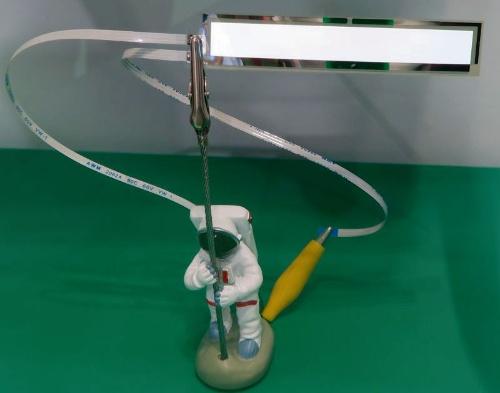 図3 70µm厚の白色発光有機ELシート