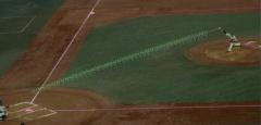 ピッチャーが投げたボールを100fpsの高速カメラで撮影する。ボールの回転軸などのデータも正確に測れる。(図:ソニー)