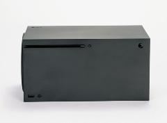 横置きしたXbox Series X(写真:スタジオキャスパー)