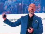(b)Uber CEOのDara Khosrowshahi氏