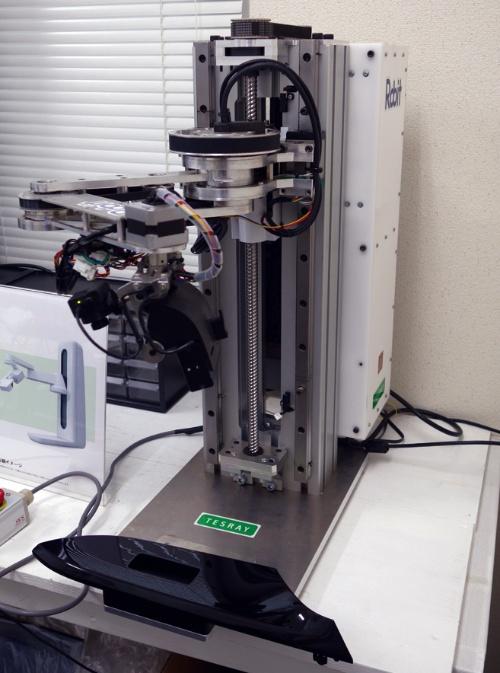 図1 ロビットの外観検査システム「TESRAY」