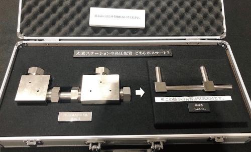 図2 機械式継手(左)と溶接継手(右)の形状の比較