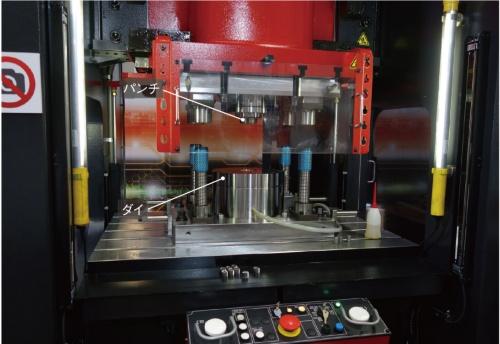 図2 フルードパルス鍛造に用いるサーボプレス機