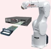ロボットのコントローラにMELFA Smart Plusカードを挿入するイメージ。(画像:三菱電機)