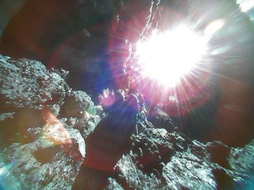 図2 リュウグウ表面の写真