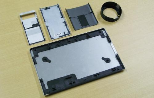 図2 デジタル機器での異種材料接合の採用例
