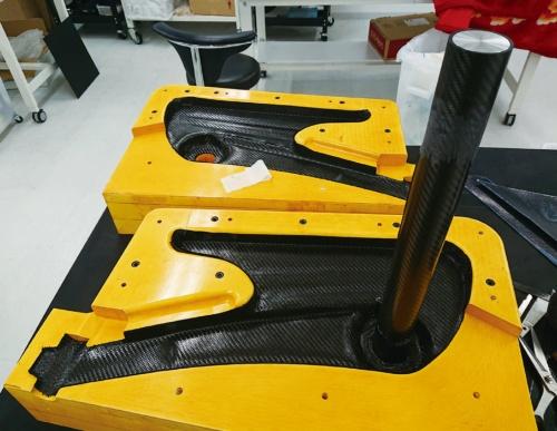 図3 CFRP製フレームの製造工程