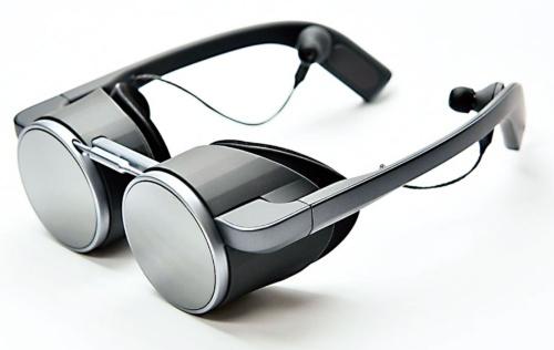 図1 パナソニックが披露した眼鏡型VRグラス