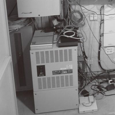 主配線盤室に設置してあるネットワーク機器群