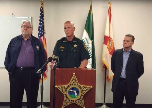 図1●フロリダ州の保安官などによる記者会見の模様