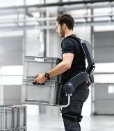 図1 ドイツGerman Bionic社の装着型ロボ
