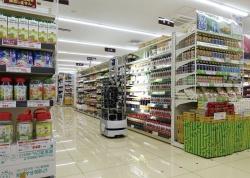 図1 食品スーパー店舗でロボットが値札をチェック