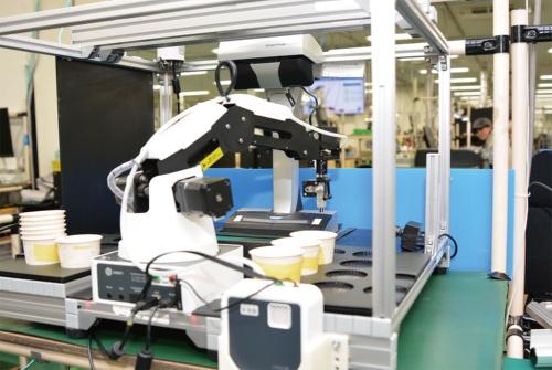 図1 低価格なロボット「DOBOT Magician」