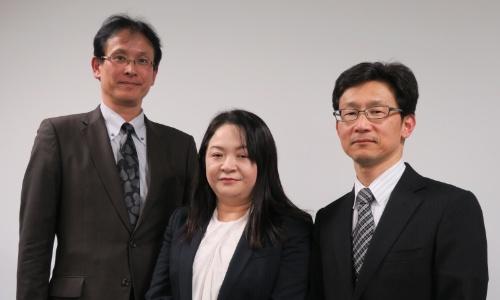 左から岸上泰三事業部長、増田智子マネージャー、佐々木宏一事業部長代理