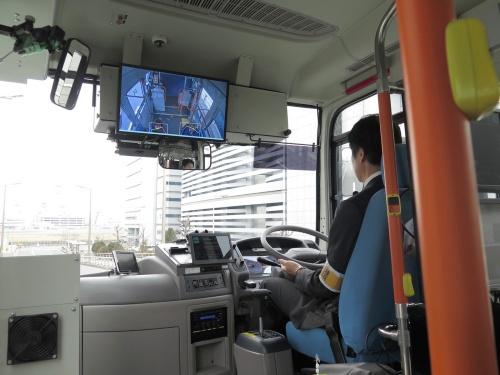 自動運転中の車内の様子。今回、人を乗せた実証実験はレベル3のみで実施している