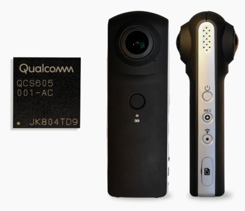 サンプル出荷が始まったSoC「QCS605」(左)と同SoCを使った360度VRカメラのリファレンス設計。Qualcommの写真