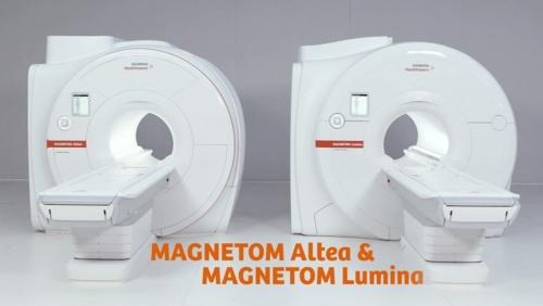 3T MRI 「MAGNETOM Lumina」(左)と1.5T MRI 「MAGNETOM Altea」(右)