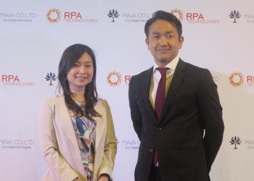 RPAテクノロジーズの大角暢之社長(右)とMAIAの月田有香CEO(最高経営責任者)