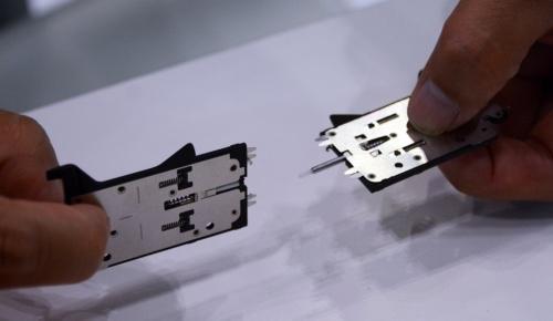 結線用のコネクター