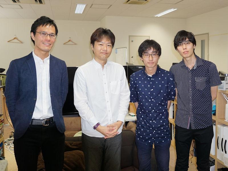 首藤研究室のメンバー 左から坂野遼平研究員、首藤一幸准教授、永山流之介氏、大月魁氏