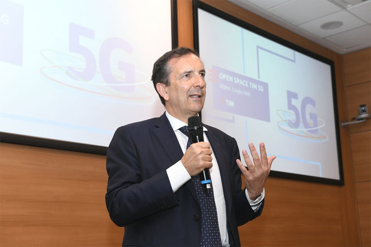 イタリア5G計画を発表するTIMのCEO & General ManagerであるLuigi Gubitosi氏 出所:TIM