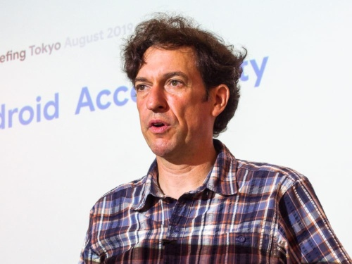 写真2●米グーグル Androidアクセシビリティ プロダクトマネージャーのブライアン・ケムラー氏