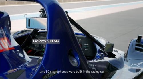 出所:YouTubeのSAMSUNG NETWORKSにアップされている動画「5G mmWave Mobility Test at High Speed」およびキャプチャーした画像