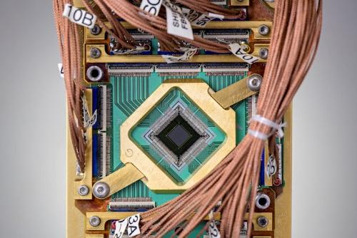 D-Waveの量子プロセッサー