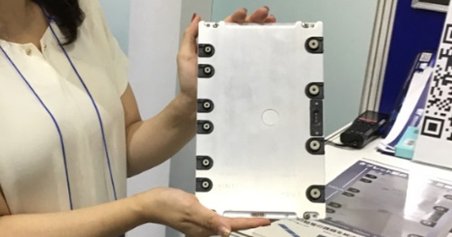 10kW出力のタブレット型AC-DCコンバーター。Vicorの展示