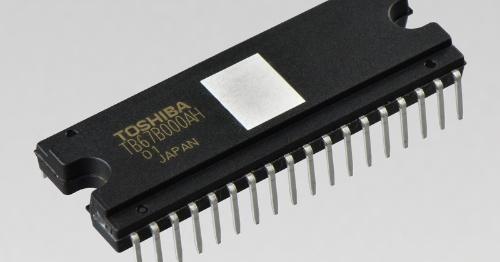 3相ブラスレスDCモーター駆動に向けた+600V耐圧の正弦波PWMドライバーモジュール。東芝デバイス&ストレージの写真