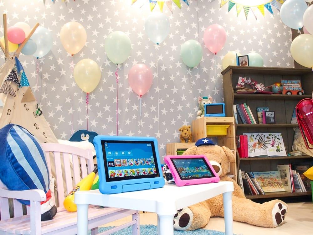 写真1●アマゾンジャパンが子ども向けKindleやFireタブレットの新製品を発表 (撮影:山口 健太、以下同じ)