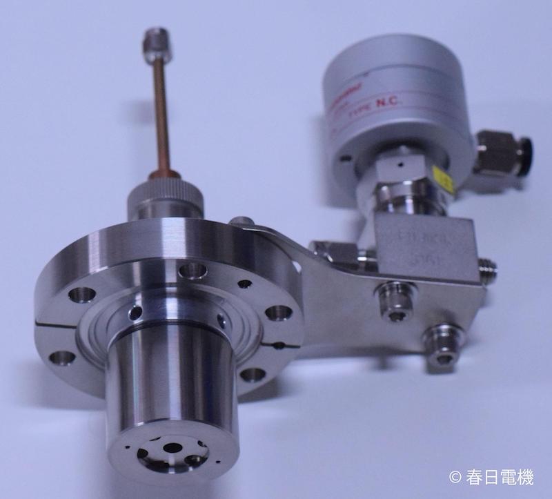 図1:春日電機が開発した「マイクロ波プラズマ除電処理システム」(出所:春日電機)