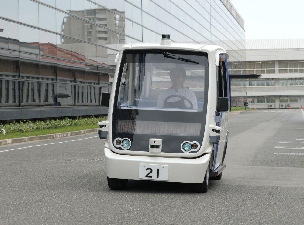 パナソニックが本社敷地内で運用する自動運転車 (出所:パナソニック)