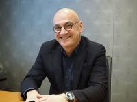 米マイクロソフト社製造担当副社長のチャレヤン・アルカン氏  写真:日経 xTECH