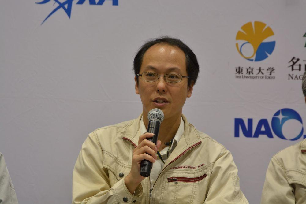 図 はやぶさ2プロジェクトチームプロジェクトマネージャの津田雄一氏 2019年11月12日、JAXAは記者説明会を開き、2019年11月13日にリュウグウからの離脱を開始する計画であることを発表した。(撮影:日経 xTECH)