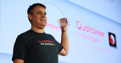 常時接続モバイルPC向けSnapdragonを紹介するQualcomm TechnologiesのMiguel Nunes氏(Senior Director, Product Management)。同社の写真