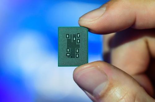 Snapdragon 8c。QualcommTechnologiesの写真