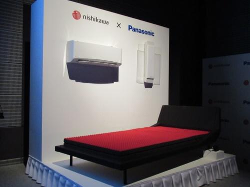 サービスを支えるマットレス、エアコン、照明器具