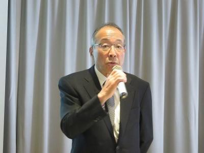 説明を行うWOWOWの田中社長