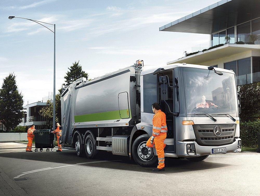 「Econic」のごみ収集車 (写真:Daimler Trucks)