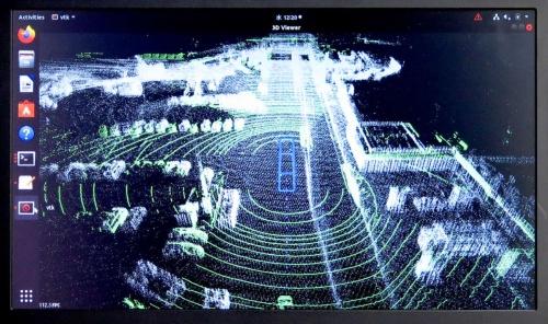 3次元レーザーセンサー(LiDAR)による自車周辺の構造物などの走査データ