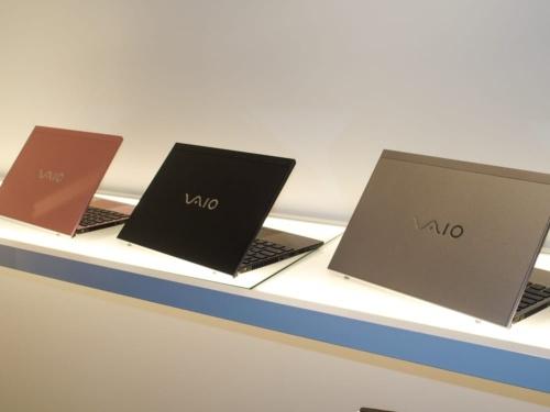 写真1●VAIOが14型と12.5型のモバイルノートを刷新(撮影:山口 健太、以下同じ)