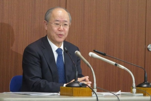 NHKの常時同時配信についてコメントする大久保会長