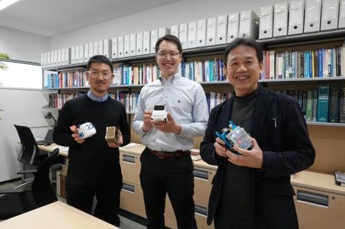 左から東京大学特任研究員の杉山昂平氏、Makeblock Japanカントリーマネージャーの菊池裕史氏、東京大学教授の山内祐平氏。