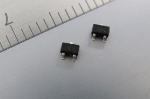 低オン抵抗のpチャネル型MOSFET。