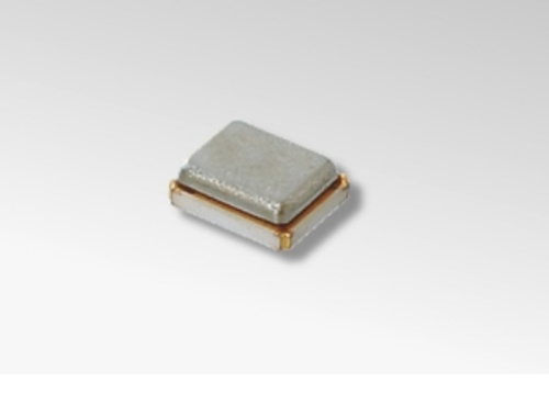 無線LAN機器に向けた「2016サイズ」の水晶振動子。