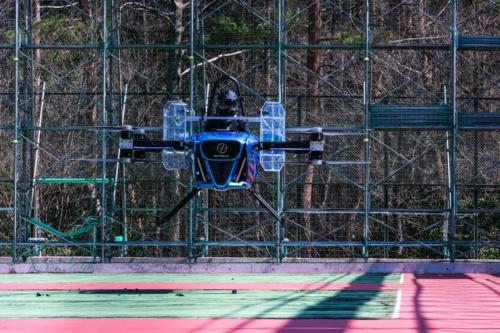 有人飛行試験の様子(出典:SkyDriveとCARTIVATOR)