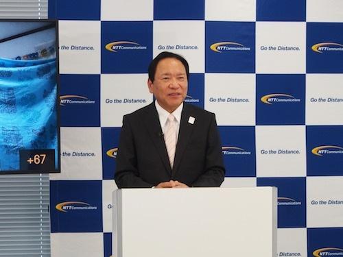 新たな事業戦略について説明するNTTコミュニケーションズの庄司哲也社長