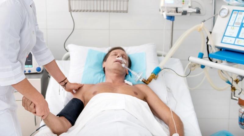 医療 気管 挿管 口腔内大量出血での気管挿管