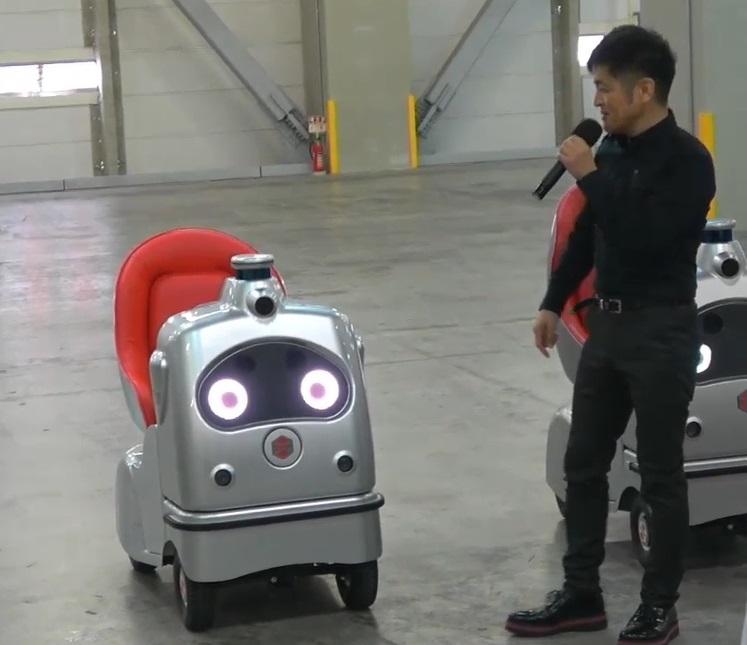 乗り放題サービスで使う低速自動運転車「ラクロ」 (出所:ZMP)